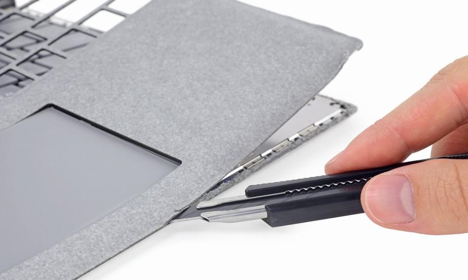 Bên trong Surface Laptop: Linh kiện hàn chết, khó sửa