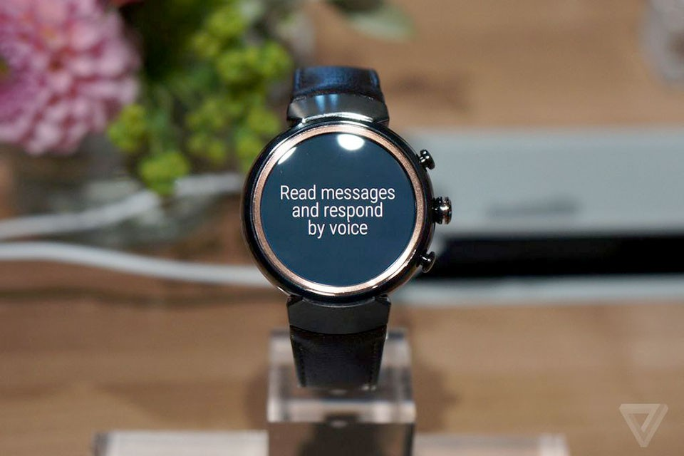 Asus ZenWatch 3 sử dụng nền tảng Android Wear 2.0