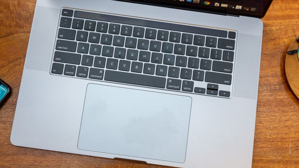 So sánh Dell XPS 15 2020 với MacBook Pro 16 inch 08
