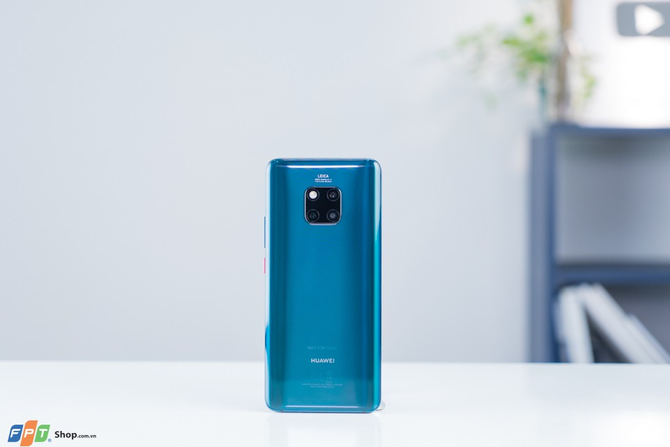 Huawei Mate 20 Pro charger 02